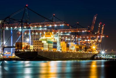ship decking on sea port